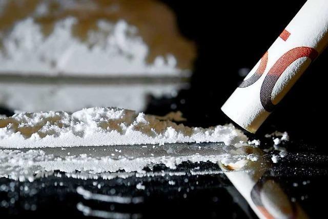 Eine 57-Jährige Drogendealerin aus Kehl steht in Offenburg vor Gericht