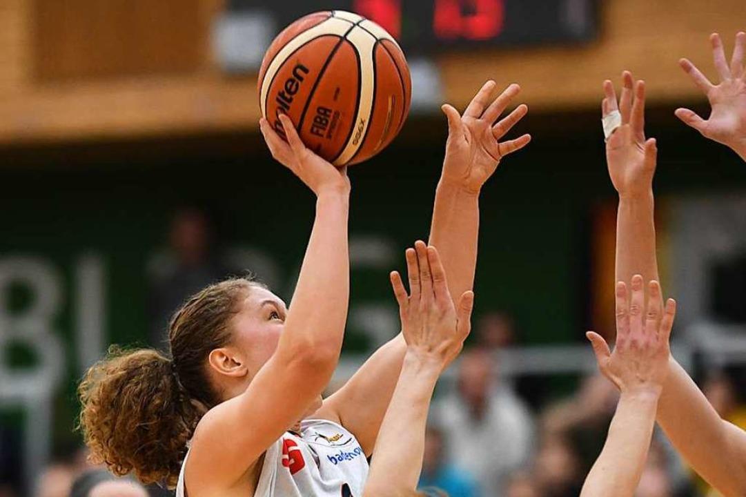 Luana Rodefelds 17 Punkte konnten die ... Spitzenreiter Herne nicht verhindern.  | Foto: Patrick Seeger