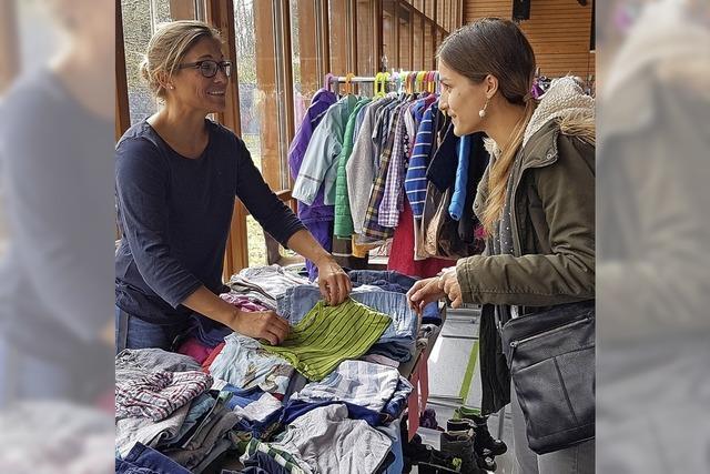 Selbstversuch: Auf Shoppingtour bei der Märkter Kinderkleiderbörse