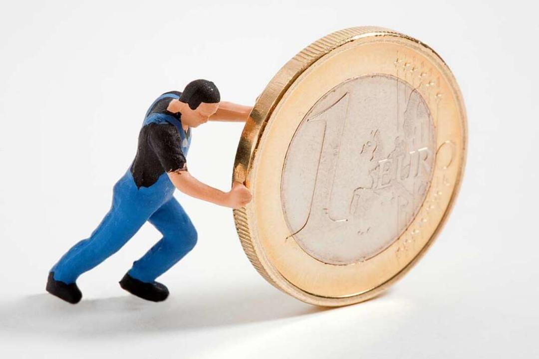 25 Jahre lang schrieb eine Sparkasse einem Ehepaar zu wenig Zinsen gut.  | Foto: flia