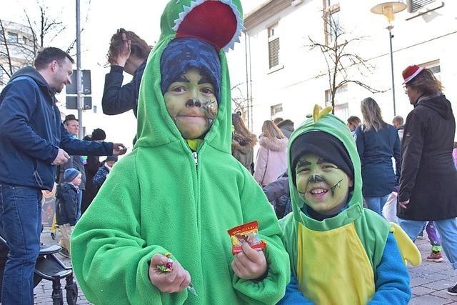 Die Kleinen Narren geben den Ton an bei der Kinderfasnacht in Schopfheim und Fahrnau
