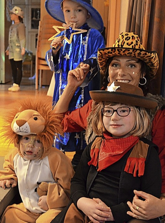 Phantasievoll verkleidet waren kleine und große Gäste.   | Foto: Maier