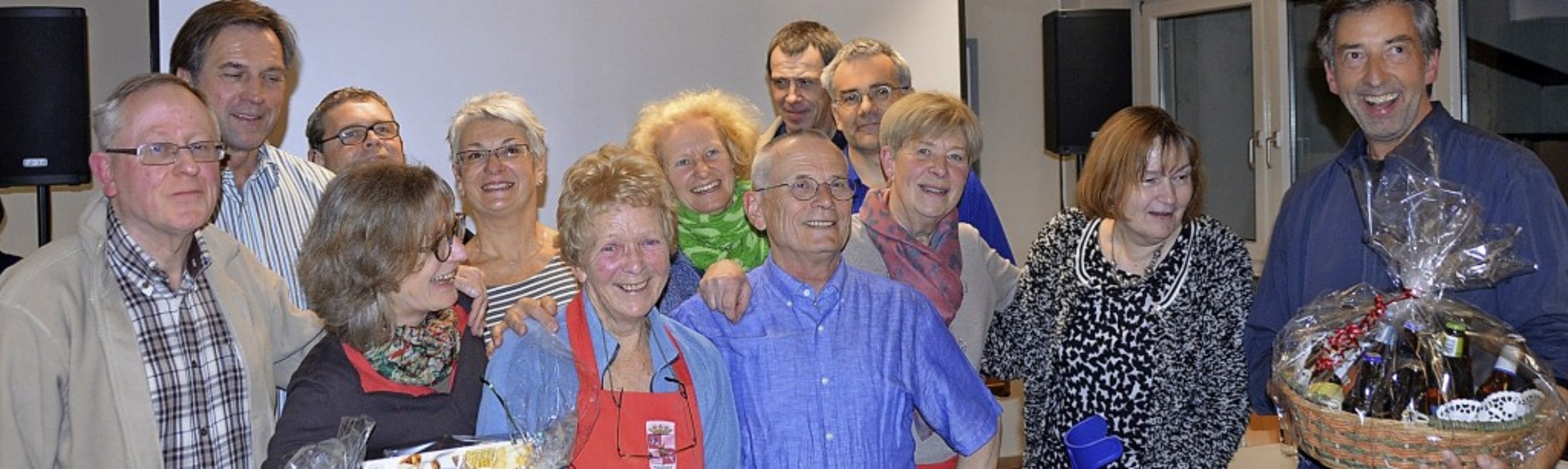 Vorsitzender Andre Christiaens (links)...itglieder des Freundeskreises Mouscron  | Foto: Horatio Gollin