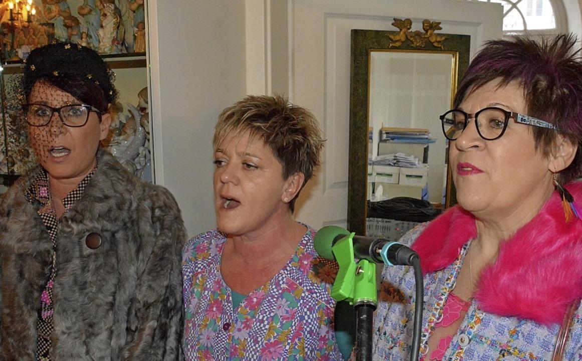 Mitreißende Bekenntnisse dreier Frauen... Sütterlin und Susi Klaile (von links)  | Foto: Hannes Lauber