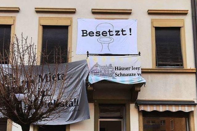 Aktivisten besetzen auch ein Haus im Stadtteil Herdern