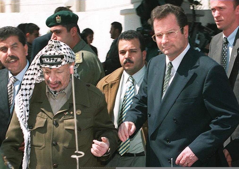 Klaus Kinkel mit Yassir Arafat  | Foto: AFP