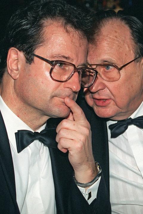 Klaus Kinkel mit Hans-Dietrich Genscher  | Foto: dpa