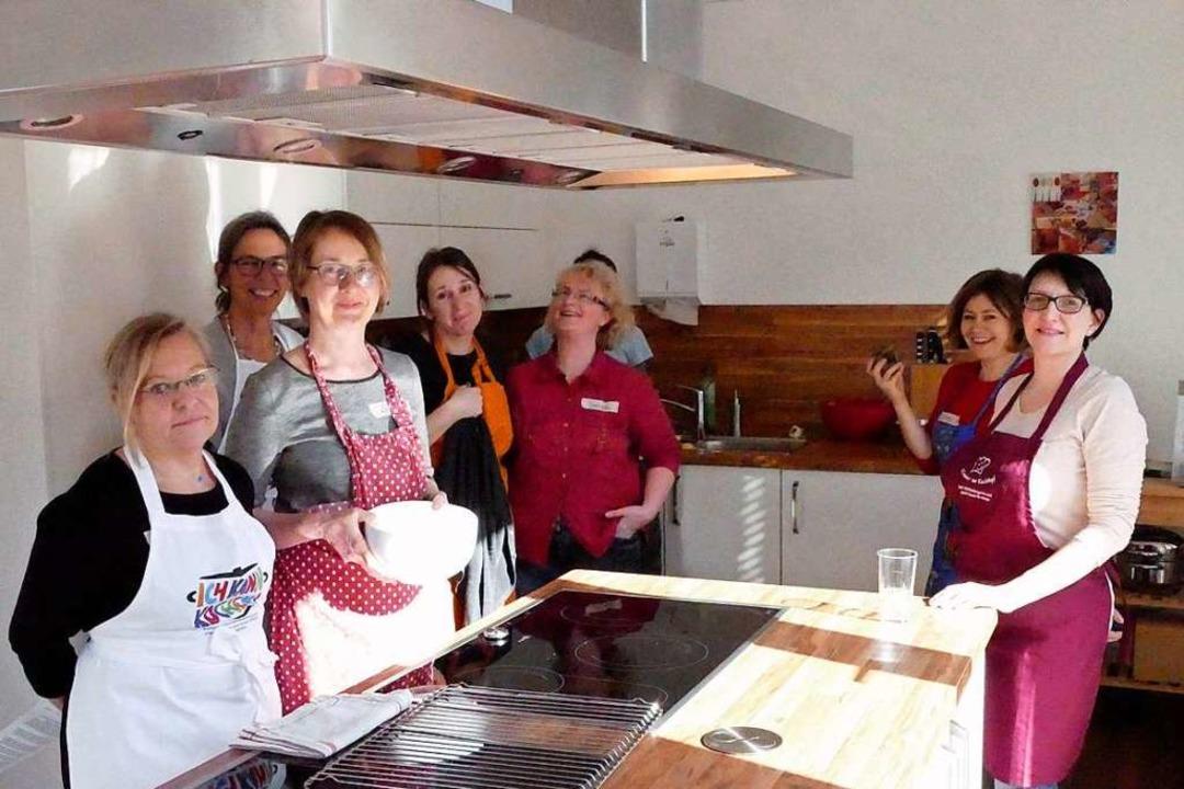 Teilnehmerinnen der Ernährungsfortbild... Sarah-Wiener-Stiftung in Kirchzarten.  | Foto: Michael Maier
