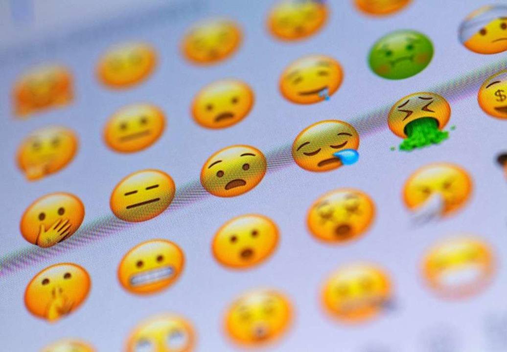 Für jedes Gefühl das passende Zeichen: Emojis für Messenger-Nachrichten.   | Foto: dpa