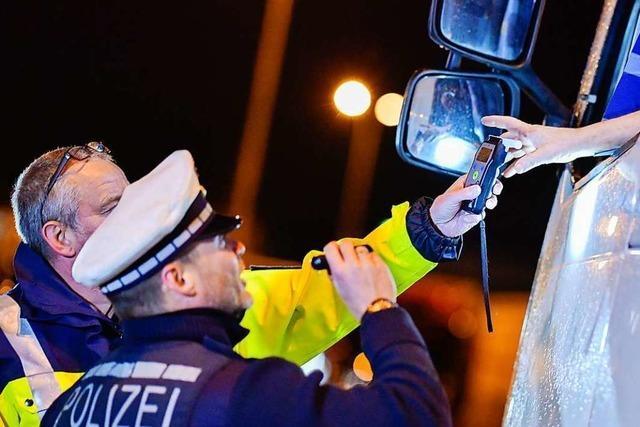 1,4 Promille und 50000 Euro Sachschaden: Betrunkener Lkw-Fahrer streift Tunnelwand