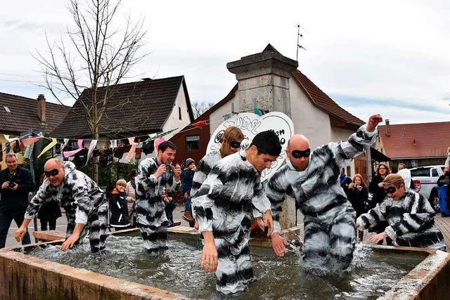 Grenzach-Wyhlen: Brunnensprung für Rolli-Dudel-Anwärter