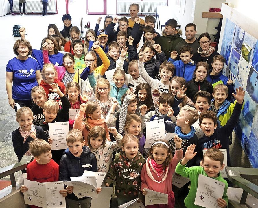 Großen Jubel gab es im Bildungszentrum...chen Teilnehmer am Kreisjugendskitag.   | Foto: Heidi Rombach