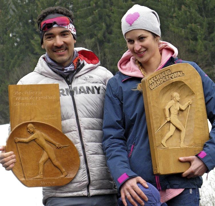 Die Wanderpokal-Gewinner Lutz Klausman...Georgen und Linda Becker, Vöhrenbach.     Foto: Ulrike Spiegelhalter