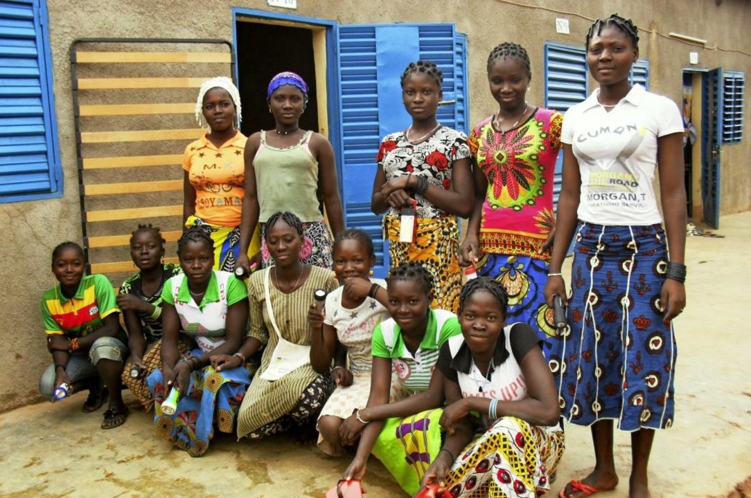 In Burkina Faso unterstützt die Emmend...auen zwischen elf und 20 Jahren leben.  | Foto: Stiftung Brücke