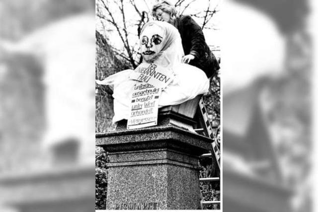Vor 25 Jahren verhüllten engagierte Frauen das Bismarck-Denkmal