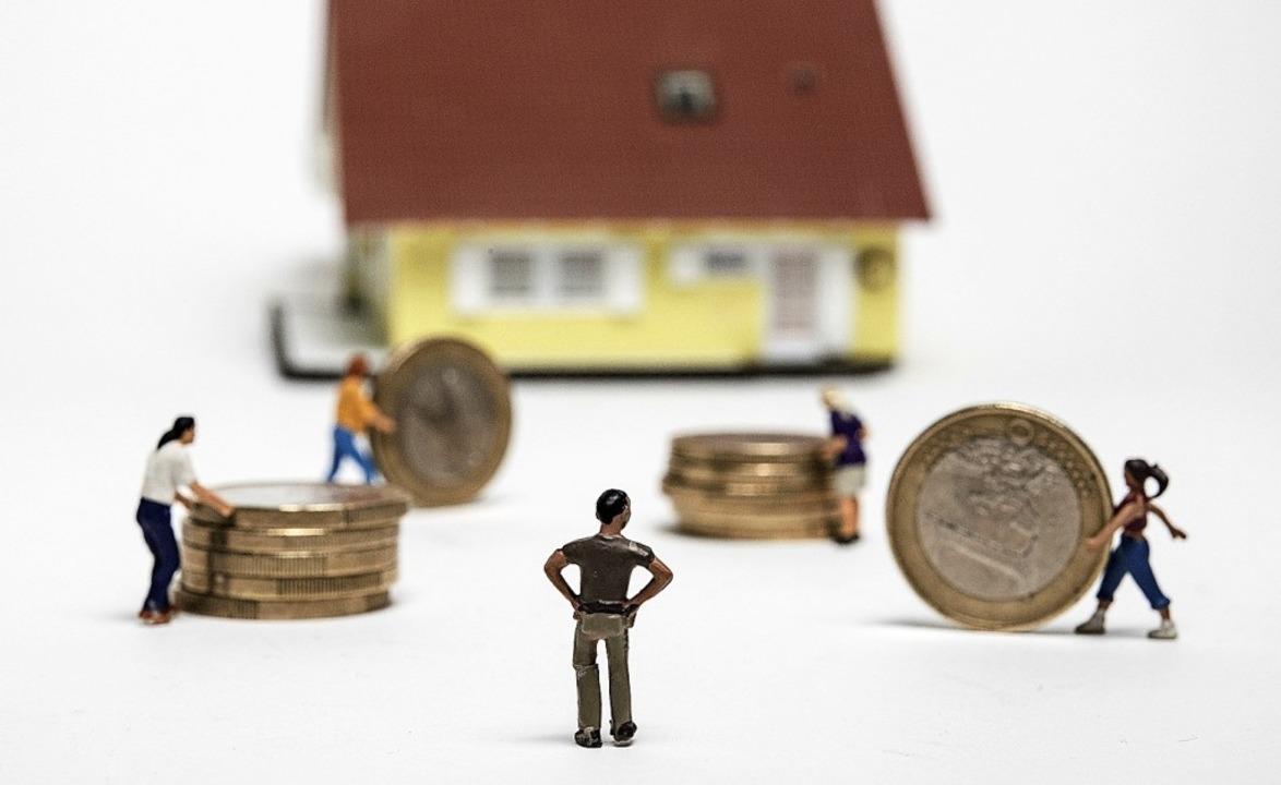Eigentümergemeinschaften müssen einige...ie  Hausgeld von allen Eigentümern.     | Foto: Robert Günther (dpa)