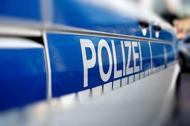 Junger Mann beschädigt mehrere Autos in Lörrach mit Dekosteinen