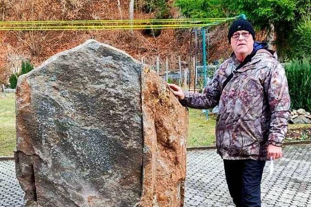 Todtnau-Geschwend: Riesen-Felsbrocken donnert in Garageneinfahrt