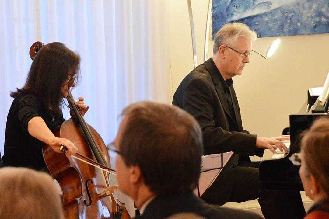 Ana Helena Surgik am Violincello, Carl-Martin Buttgereit am Klavier  | Foto: Horatio Gollin