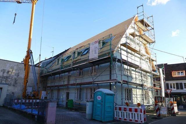 Ein Makler kritisiert, dass Breisach eine städtische Wohnung zum höchsten Gebot verkauft hat