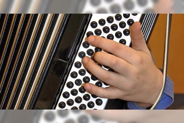 26 Akkordeon-Zöglinge in Ausbildung