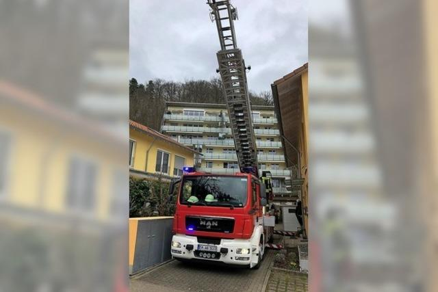 Feuerwehr unterstützt DRK