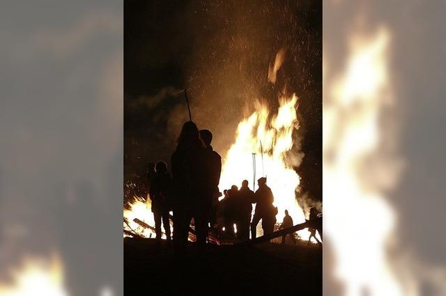 Loderndes Fasnachtsfeuer