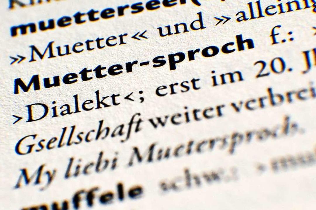 Um die Mundart hat sich Luise Meier mi...e mehrfach ausgezeichnet (Symbolbild).  | Foto: dpa