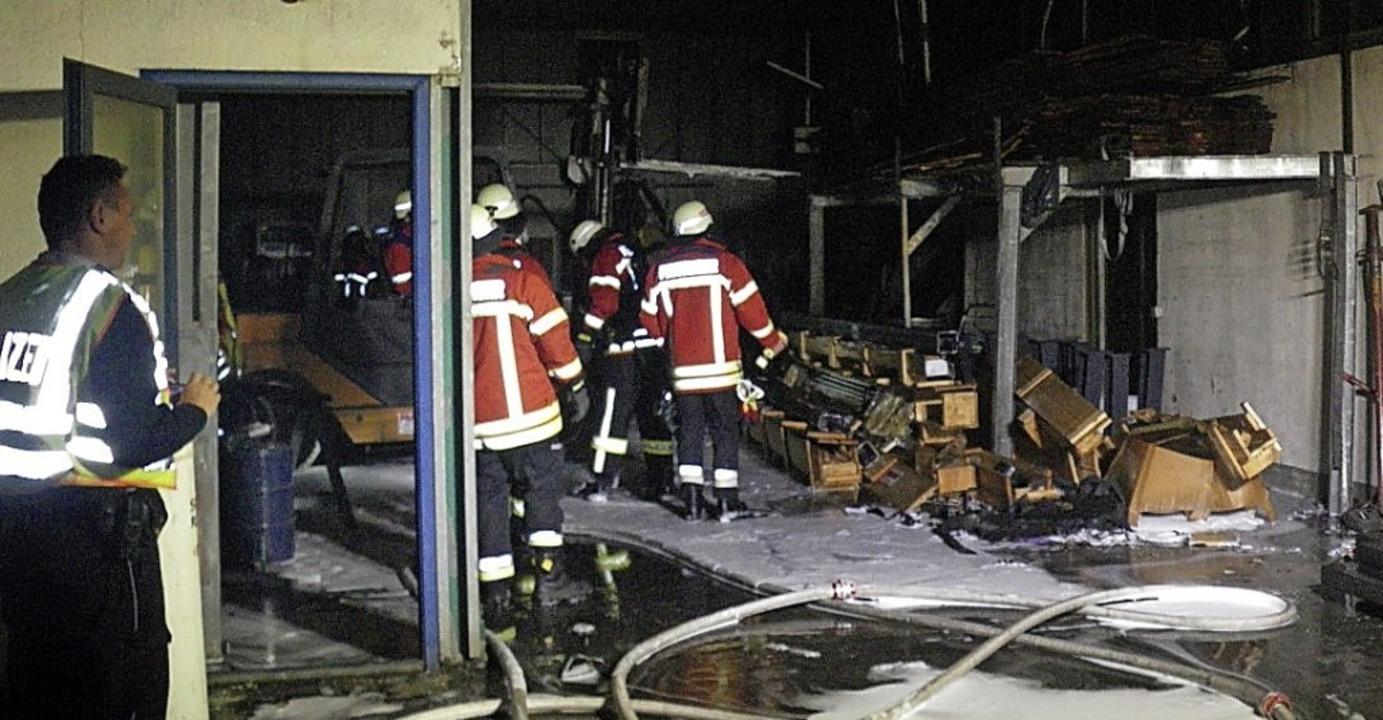 Die Breisacher Feuerwehr hatte am Frei...Straße Im Gelbstein schnell gelöscht.     Foto: Feuerwehr