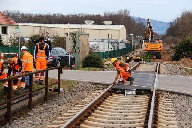 Bauarbeiten an der Bahnlinie zwischen Freiburg und Breisach sind in vollem Gange