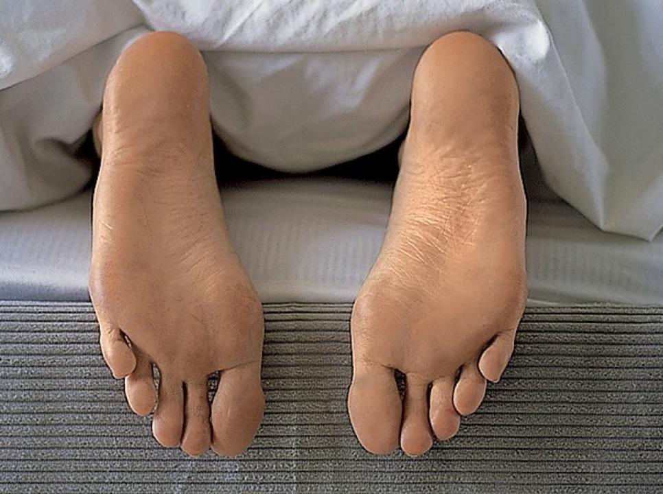 Um ohne Rückenschmerzen aufzuwachen, i...en Matratze von besonderer Bedeutung.   | Foto: schlafgut/linvingpress (fotolia.com)