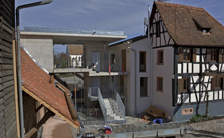 Noch ist es  Baustelle: Das Försterhau...tember mit einem Fest eröffnet werden.    Foto: Benedikt Sommer