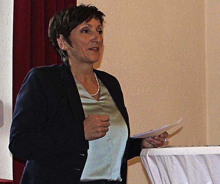 Pia Lach bedankt sich in erster Linie ...die politische Arbeit gegeben werden.   | Foto: Regina Lorenz