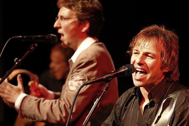 Die Simon & Garfunkel Revival Band bringt Flower-Power-Stimmung ins Bad Säckinger Gloria-Theater.