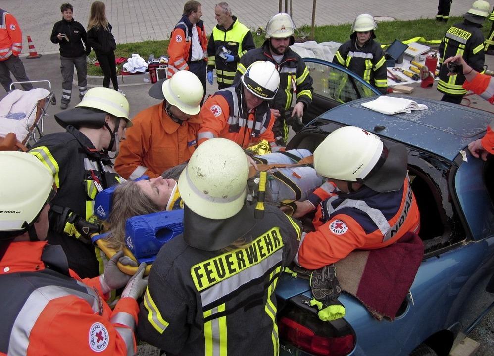 Auch künftig will der Förderverein die...t der Ihringer Feuerwehr unterstützen.  | Foto: Privat