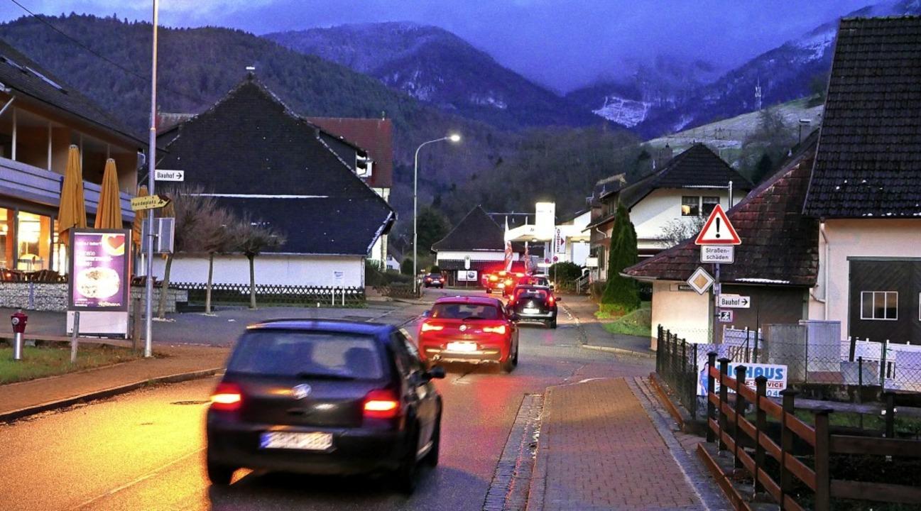 Die Sanierung der Landesstraße123 ab  ...ie Gemeinde Münstertal einiges kosten.  | Foto: Hans-Peter Müller