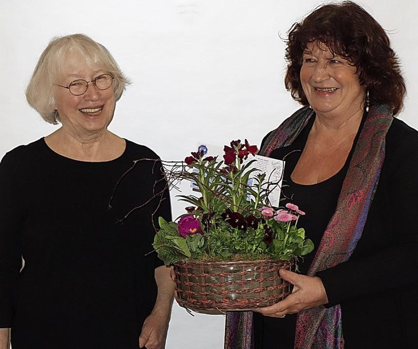 Ursula Sladek (links) mit der Landtagsabgeordneten der Grünen, Bärbl Mielich     Foto: Lena Roser