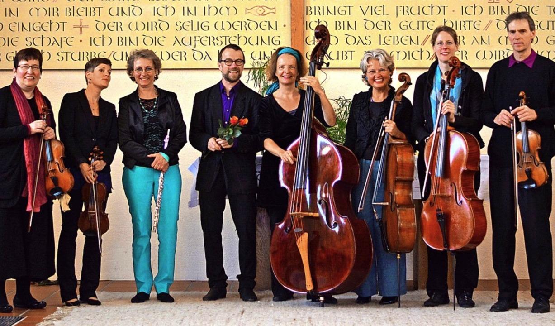Das Ensemble der Eichener Sonntagsmusi...Uhr ein Frühlingskonzert im Wohnpark.     Foto: Haarmann