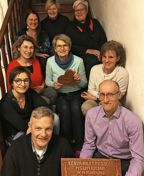 "Lilian Wiesner, Ulrike Löhle, Andrea B...nd ""Musik für Kenia"" vor.   | Foto: Luana Wagner"