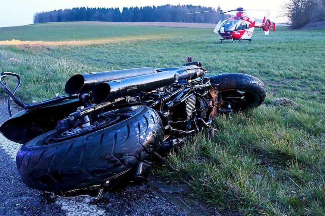 Vergangenes Jahr verunglückten in den ...usammen sieben Motorradfahrer tödlich.  | Foto: dpa