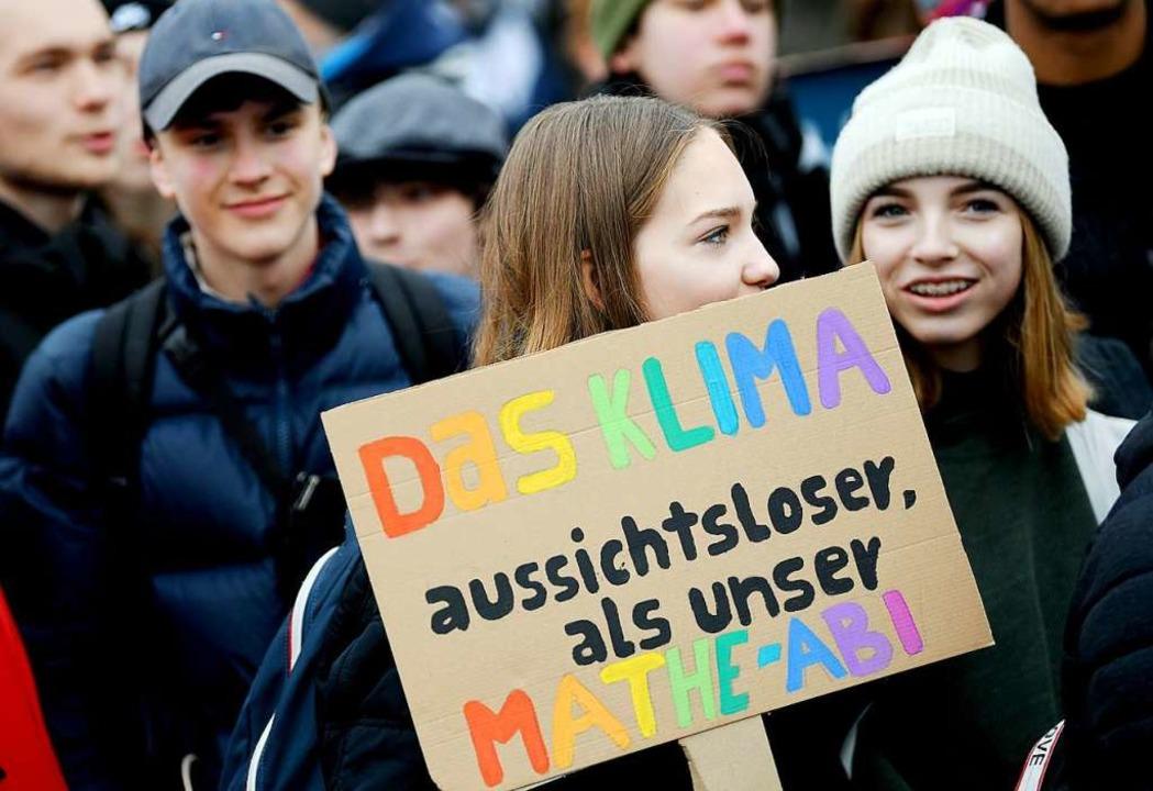 Seit Wochen demonstrieren in Deutschland Schüler für einen besseren Klimaschutz.  | Foto: dpa