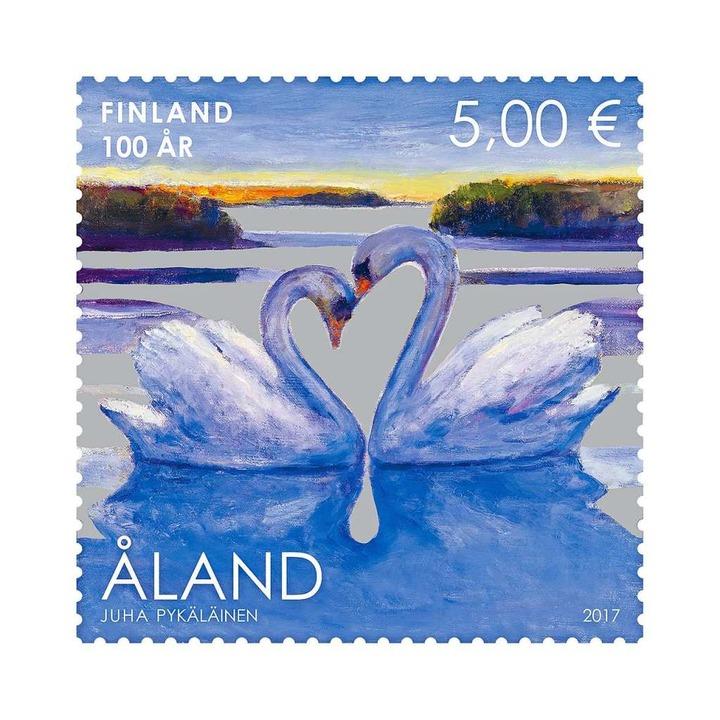 Die finnische Region Aland setzt auf zwei gemalte Schwäne.  | Foto: Aland Post Frimärken