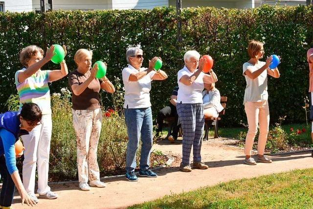 Junge Menschen übernehmen in Gundelfingen Besuchsdienste für Senioren