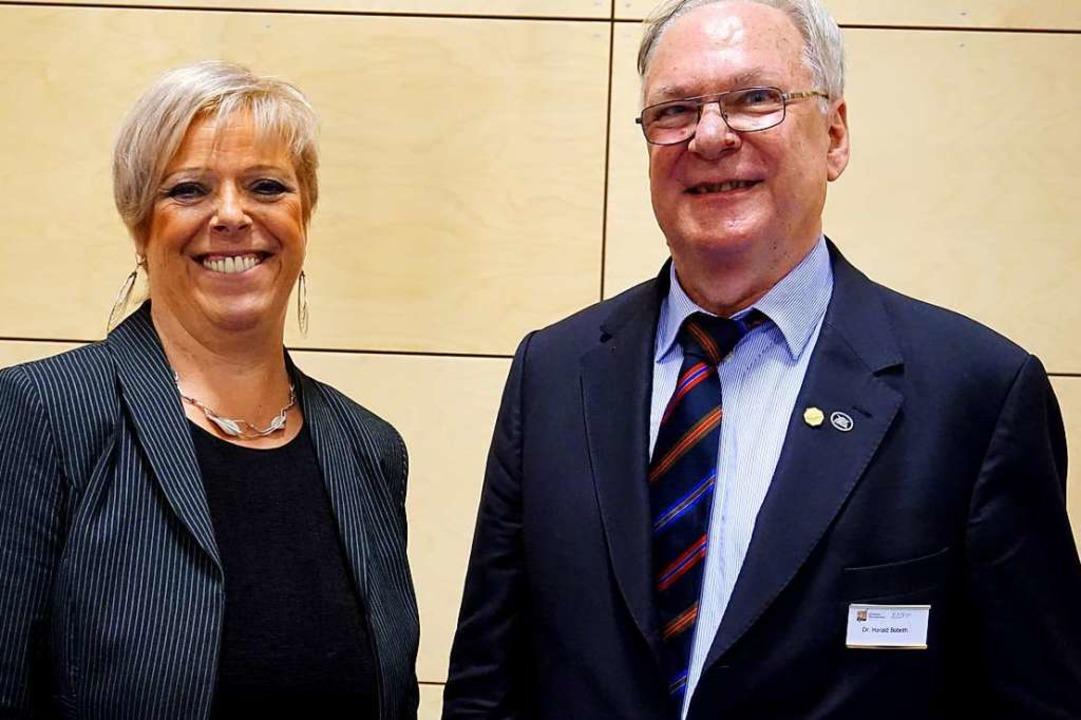 Landtagsabgeordnete Sabine Wölfle folg...schen Blasmusikverbands Breisgau nach.  | Foto: Julius Wilhelm Steckmeister