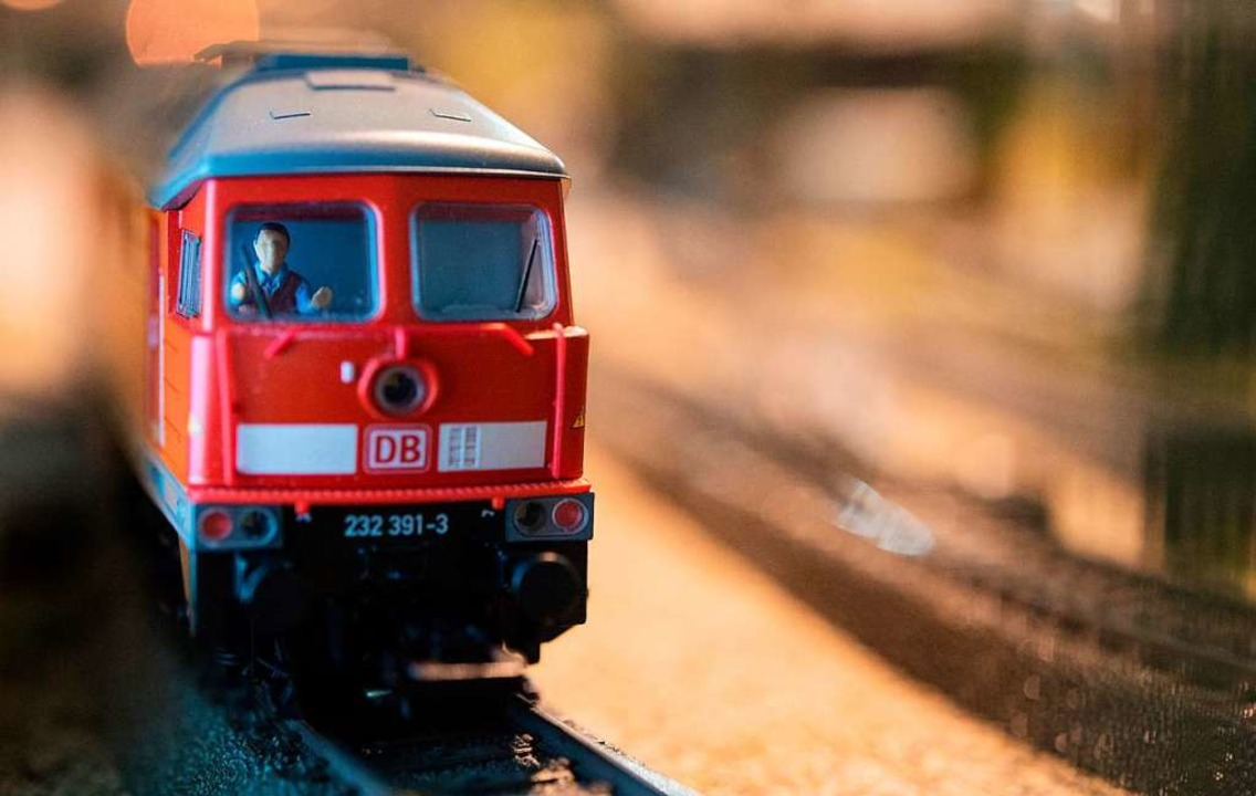 Die Eisenbahnfreunde Wehratal blicken ...ung  auf ein schwieriges Jahr zurück.   | Foto: Symbolbild: Marijan Murat (dpa)