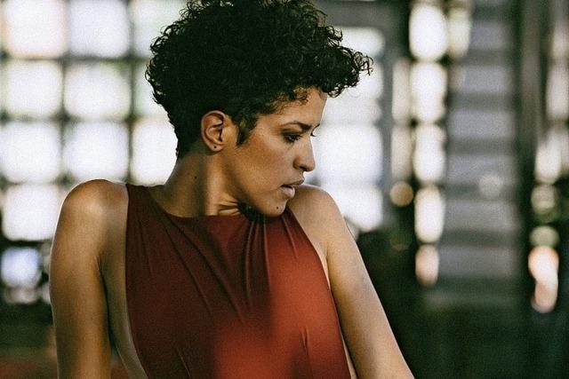 """Aline Frazão stellt ihr Album """"Dentro Da Chuva"""" im Jazzhaus vor"""