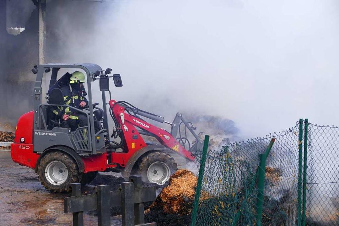 Ein Großaufgebot der Bonndorfer Feuerw...berzogen den Bonndorfer Ortsteil Boll.  | Foto: Stefan Limberger-Andris