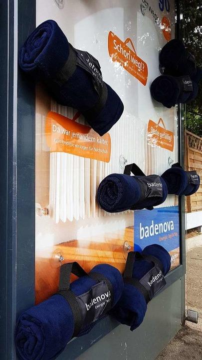 Die Badenova verteilt Fleecedecken, di... hat. So wie hier in der Goethestraße.    Foto: Karl Kovacs