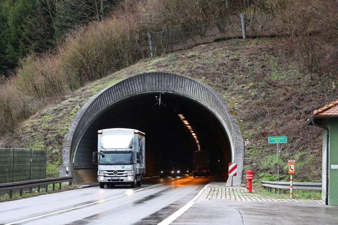 Einen Tunnel wie in Hausach wünschen sich die Gegner der Schutterparallele.  | Foto: Christoph Breithaupt