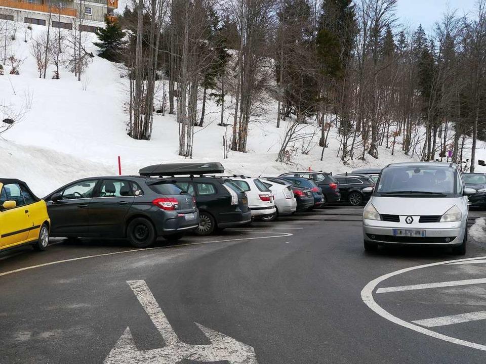 Auf diesem Parkplatz zwischen Grafenma...on 8 Uhr bis 19 Uhr abgestellt werden.    Foto: Mariella Hutt